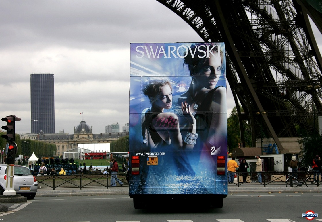 JT 5829 P - Bus in Paris Swarovski 01 (Deco der - France)